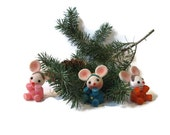 3 kitschy cute Christmas ornament mice in pink, orange, and turquoise from the 1950s