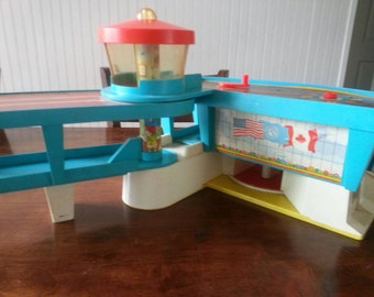 Vintage Fisher Price airport, 1970's, building only
