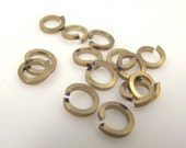 """1/2 oz Bronze Anodized Aluminum Jump Rings, Saw Cut, Square Wire, 3/16"""" ID"""