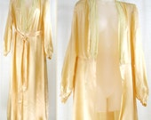 Vtg 30s-40s Boudoir Long Sexy Silky Satin Peach Dressing Gown Robe with Chantilly lace sz 14/L
