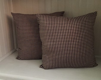 Set of 2 Pillows Black Check Homespun Material
