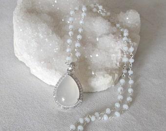 Bridal Wedding Beaded Necklace- Halo Pear Shape Necklace- Classic Everyday Birthstone Necklace- Simple White Gemstone Necklace