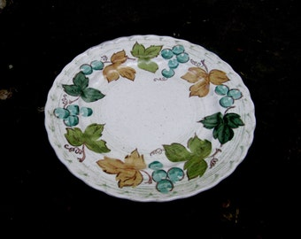 METLOX vernon ware vineyard large pottery dinner plates leaves and grapes (7)