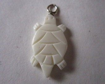 10 Turtle Pendants Beads 1 1/4 Carved Buffalo Bone Jewelry Craft Making bt2