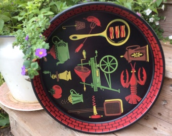 Vintage Retro Round Lobster Kitchen Tray Black with Brick Outline