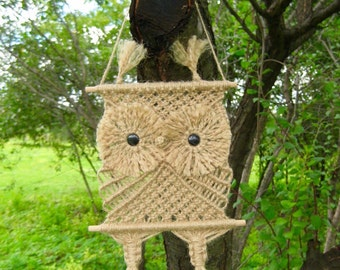 "Macrame Wall Hanging ""Owlet Ruru"", knotted of jute cord - MADE TO ORDER"
