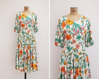 SALE! 1970s Dress / 35% OFF Vintage 70s Floral Rayon Jersey Dress / Flower Collector Dress