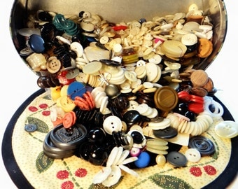 Vintage Buttons - Large Lot - Sewing Notions - Vintage Sewing