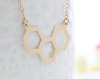 Beehive Necklace | Simple honeycomb gold necklace | Everyday jewelry | Gift for her | Geometric jewelry