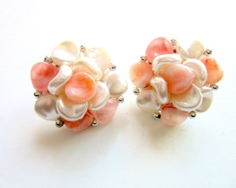 Marbled Lucite Earrings Cluster Bead Pearl & Peach Colors