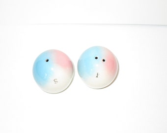 Blue and Pink salt and pepper shakers epsteam