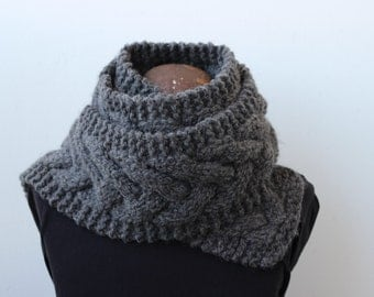 Handknit bulky cabled scarf for men, women, teens : heathered gray