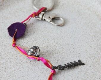 Fishbone keyring, long boho key chain with small fishbone, ribbons, felt and two keyrings, magenta orange purple keyholder, vintage key ring