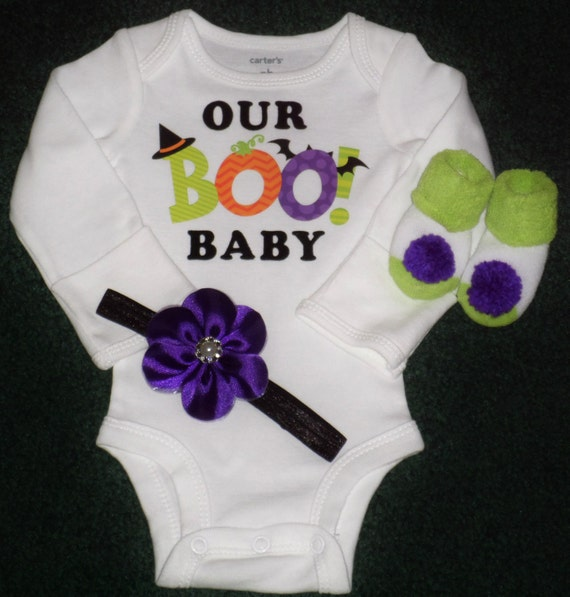 Baby Gifts For Halloween : Halloween bodysuit gift set for a newborn baby girl