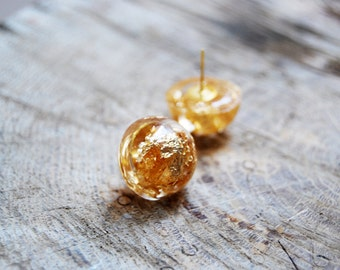 Gold resin earrings. Handmade resin statement earrings. Golden flakes jewelry. Gold jewelry. Handmade earrings. Resin jewelry. Golden flakes