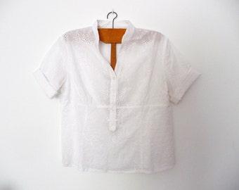 SALE. White cotton blouse. Vintage white summer blouse. Soft white cotton