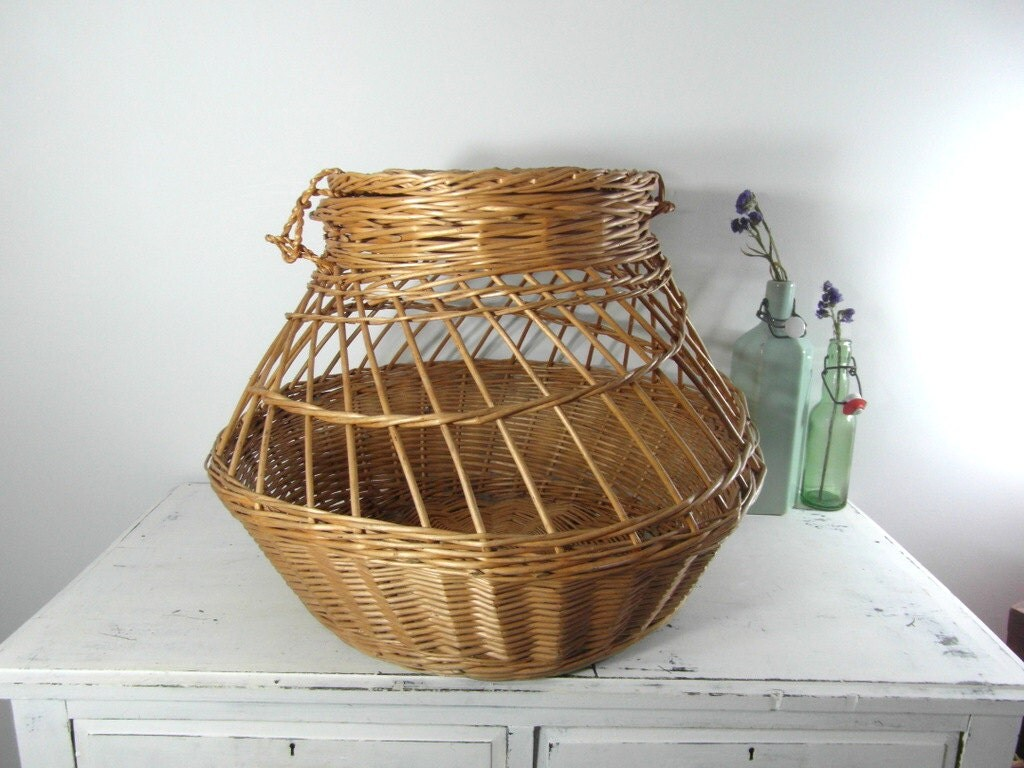 Large wicker basket laundry hamper french vintage lidded - Large wicker laundry hamper ...