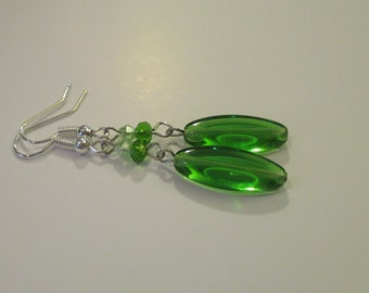 Green glass earrings, with Swarovski crystal beads