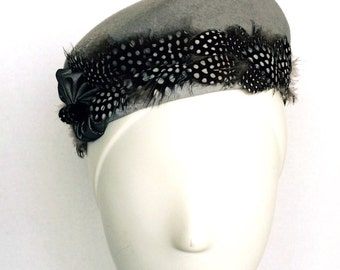 SALE! Wool felt Pillbox Hat with Feather band and vintage button