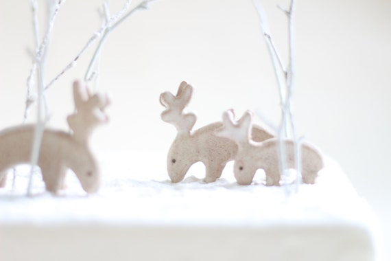 https://www.etsy.com/uk/listing/243215975/set-of-3-deer-christmas-cake-decorations?ga_search_query=christmas&ref=shop_items_search_29