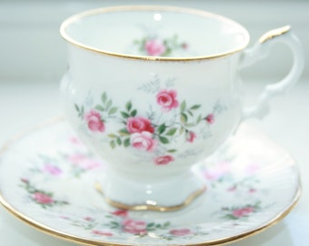 Elizabethan teacup and saucer with detailed small pink English roses
