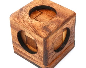 Soma Cube Puzzle - Wooden brain teaser