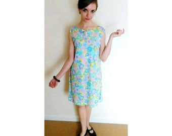 Lovely Vintage Bright 60s Floral Mod Dollybird Dress