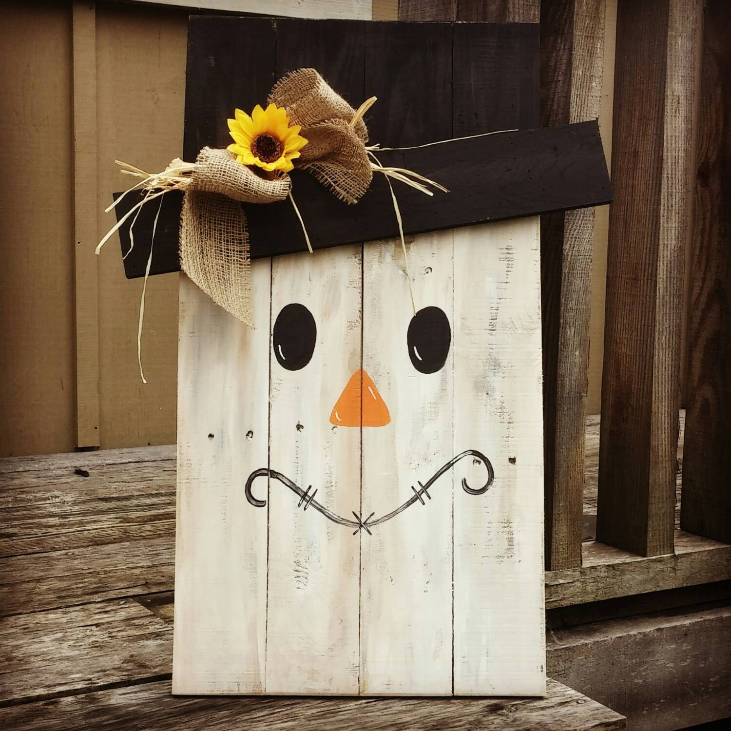 Large pallet scarecrow halloween fall home decor 30 x for Scarecrow home decorations co ltd