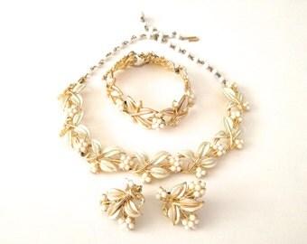 Vintage Coro Necklace Bracelet Earrings Enamel Flowers Jewelry Demi Parure Creamy White Faux Pearls Bridal Set