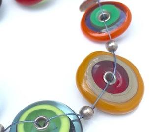 Bracelet coloré en verre  • Attache magnétique • Lampwork glass  • Multicouleur • Multicolor trending jewelry, mariage