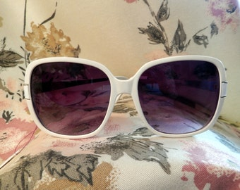 White 80's Vintage Sunglasses