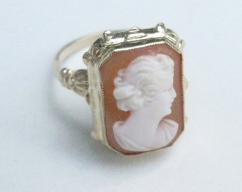 Vintage 10k Yellow Gold Cameo Ring -  Art Deco Carved Shell - Esemco