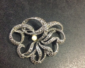 Silver marcasite brooch with pearl