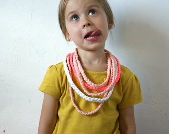 Toddler scarf Pink scarf Girls scarf Chain Loop Scarf Chain Scarf Crochet Necklace