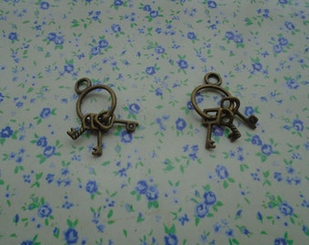 20 pcs of antique bronze color metal key pendant charm , 25*12mm , MP90
