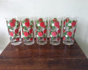 Vintage Culver Drinking Glasses, Culver Strawberries Barware, Strawberry Daquiri fans rejoice, Summer fun glassware