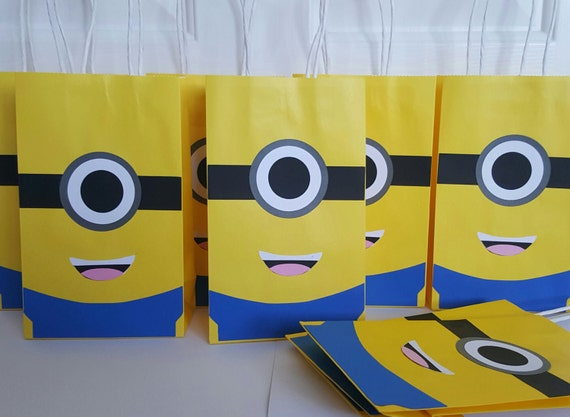 minion treat bag minion goody bag minion favor bag birthday. Black Bedroom Furniture Sets. Home Design Ideas