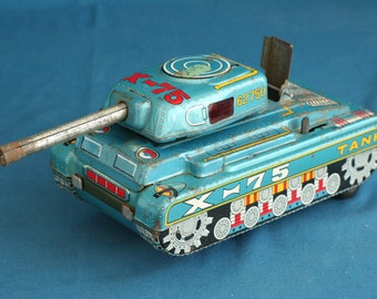 vintage made in japan a.1 tin toy tank x - 75  from the 50's 60's