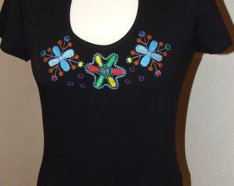 Women T- Shirt, Shirt with an archaic motif.