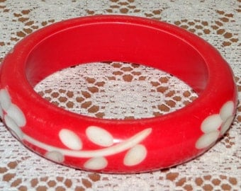 Vintage Red Bangle Bracelet Deeply Carved Leaf Flower Celluloid Bracelet
