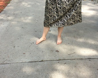 Beautiful vintage gold and black paisly skirt