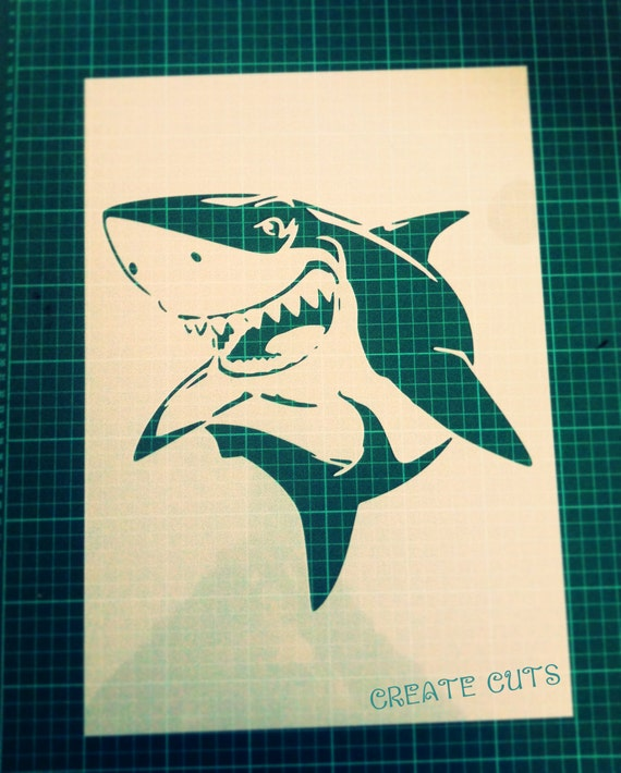Requin au pochoir pour la d coration de la maison mur mur for Decoration porte au pochoir