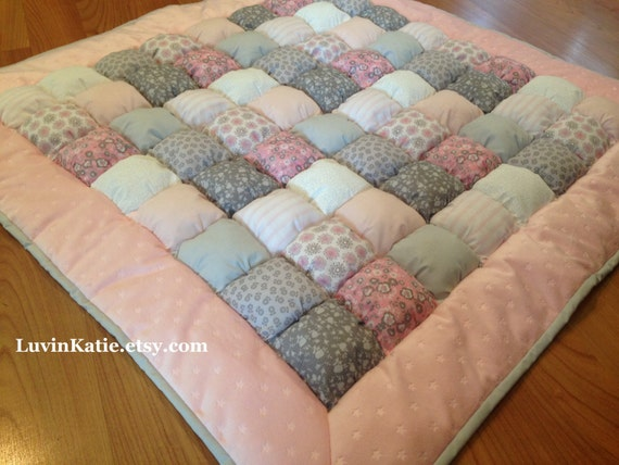 Bubble quilt puff quilt biscuit quilt baby tummy time floor for Floor quilt for babies
