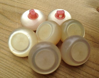 7 Chunky Vintage Retro Creamy Buttons