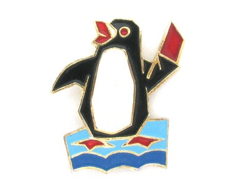 Penguin, Rare Vintage metal collectible badge, Animal, Soviet Vintage Pin, Vintage Badge, Made in USSR