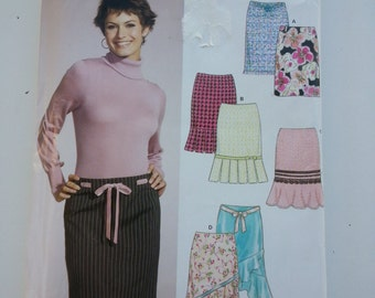 Plus size Skirt/ pleated / flounce / office skirt  2005 Sewing Pattern, Hip 34 36 38 40 42 44 46, Size 10 12 14 16 18 20 22, New Look 6541