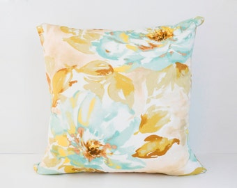 """Lucy Accent Pillow 20"""""""