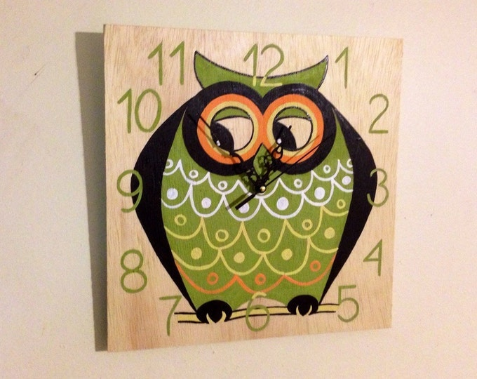 OWL wooden wall clock, Decorative Fun and Colorful OWL clock, Hand painted wall clock, Christmas gift idea, For kids bedroom Baby Nursery
