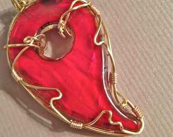 PENDANT, RED glass, Foil in pearl and blue, gold craft wire worked, two-sided, Pendant, Two looks for one price!