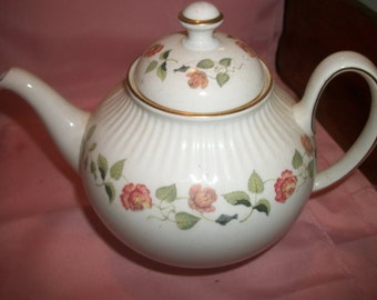 Wedgwood India Rose Teapot Tea Pot
